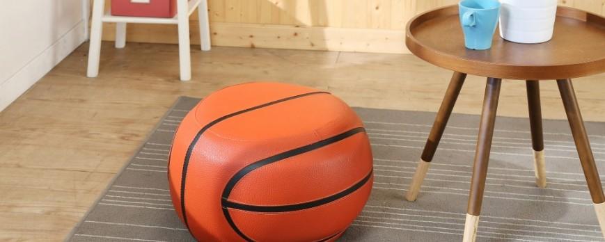 想買個凳子給小寶貝坐!足球好還是籃球好?
